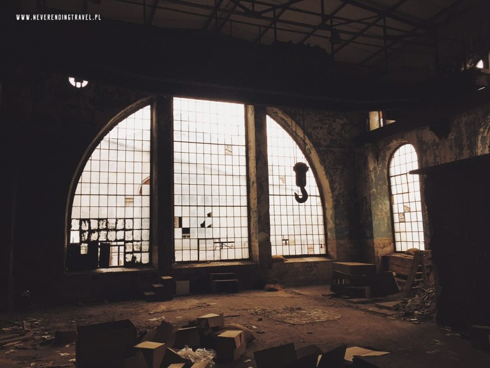 Warszawskie Zakłady Papiernicze, Konstancin-Jeziorna opuszczona fabryka okno stara papiernia