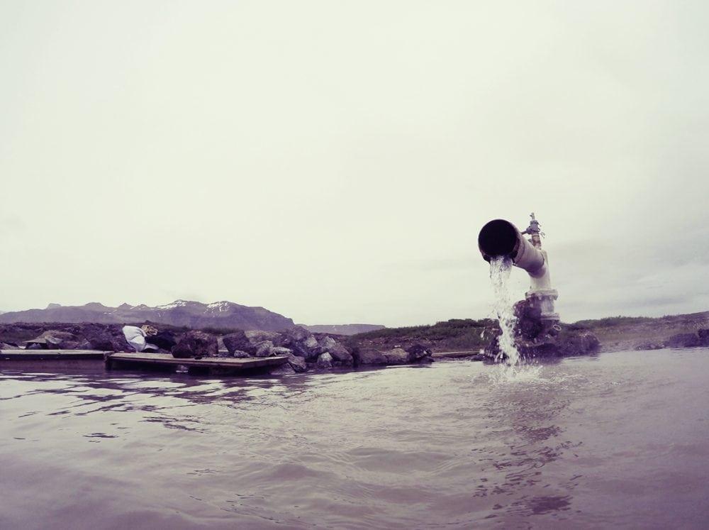 Landbrotalaug gorące źródło na Islandii hotpot iceland