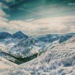 panorama tatr wysokich z kasprowego wierchu, widok zimą na tatry, słoneczny dzień w tatrach