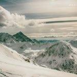 chmury nad zimowymi tatrami, Krywań, polskie góry, szlak na świnice zimą