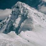 świnica zimą widok u podnóża szczytu, zimowe tatry, polskie góry zimą