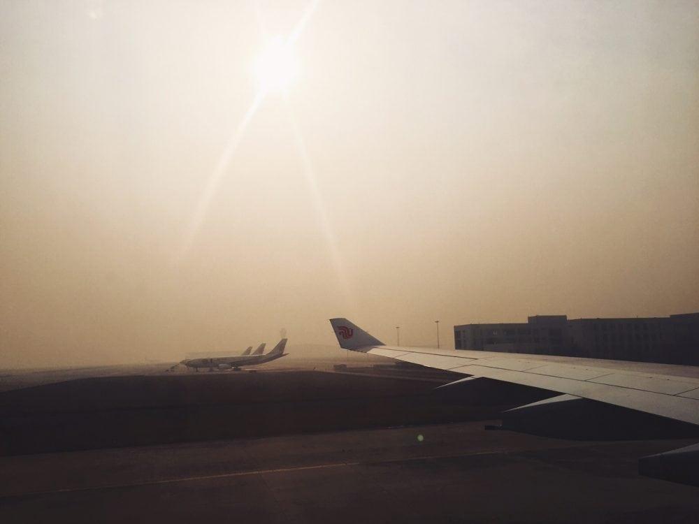 smog w pekinie na lotnisku