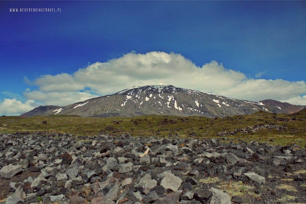 góra, ośniezony szczyt Snæfellsjökull ( lub Snaefell na Islandii