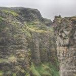 góry skały na Islandii na szlaku do wodospadu Glymur