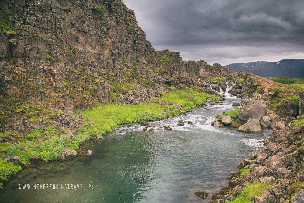 Parku Narodowym Þingvellir rzeka na Islandii