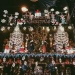 lista nieznanych miejsc w Atenach dekoracje-budynku-little-kook-kawiarnia-w-Atenach-neverendingtravel.pl