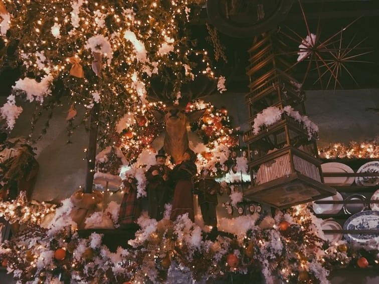 lista nieznanych miejsc w Atenach dekoracje-little-kook-kawiarnia-w-Atenach-neverendingtravel.pl