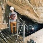 przejscie-pod-skałą-El Caminito del Rey_neverendingtravel.pl