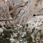 widok-z-dołu-kanionu-El Caminito del Rey_neverendingtravel.pl