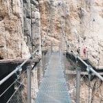 wiszący-most-na-El Caminito del Rey_neverendingtravel.pl
