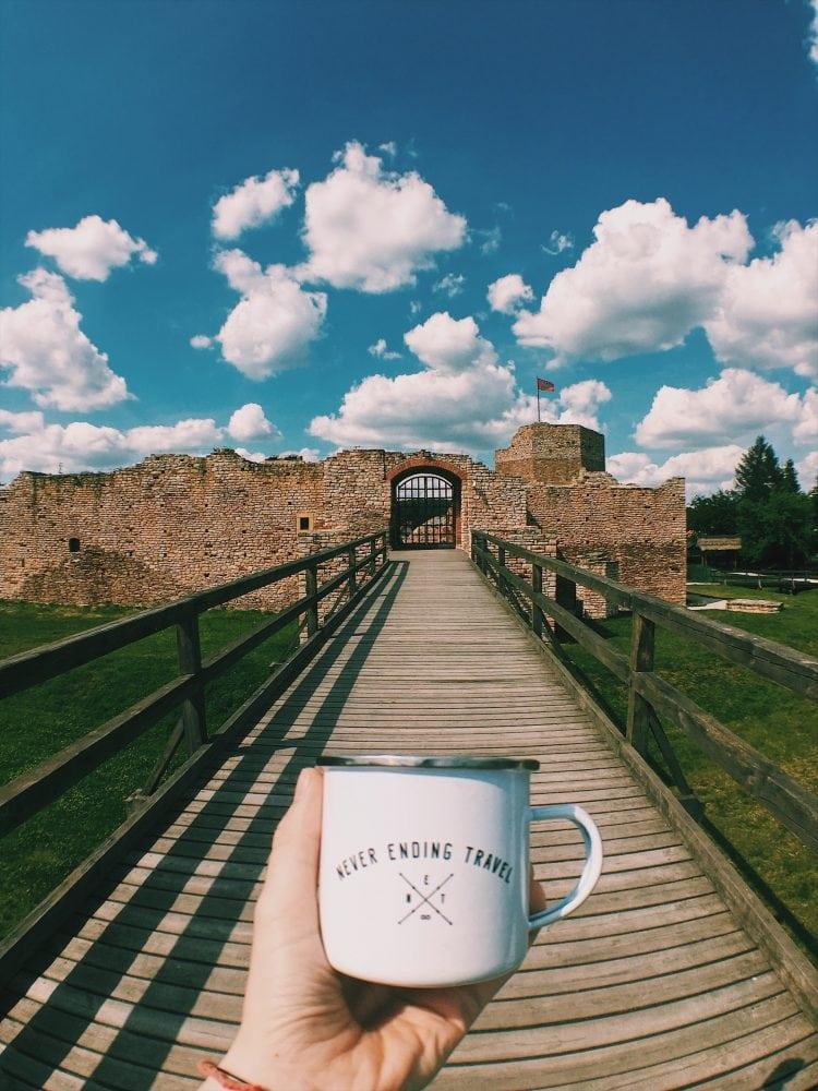zamek-w-inowłodzu-ruiny-kubek
