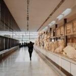nowe-muzeum-w-akropolu-w-Atenach-rzeźby