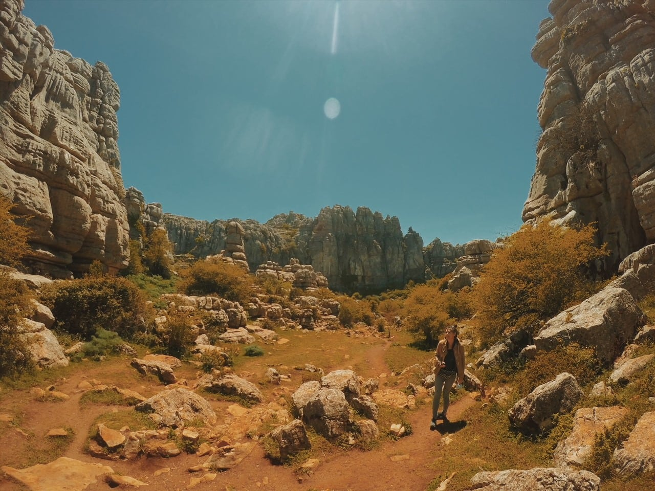 El Torcal de Antequera majówka andaluzja neverendingtravel.pl trekking, skały, górski spacer, trasa, szlak w górach, ścieżka, rezerwat, park narodowy