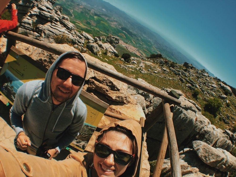 El Torcal de Antequera majówka andaluzja neverendingtravel.pl trekking, skały, górski spacer, trasa, szlak w górach, ścieżka, rezerwat, park narodowy, punkt widokowy