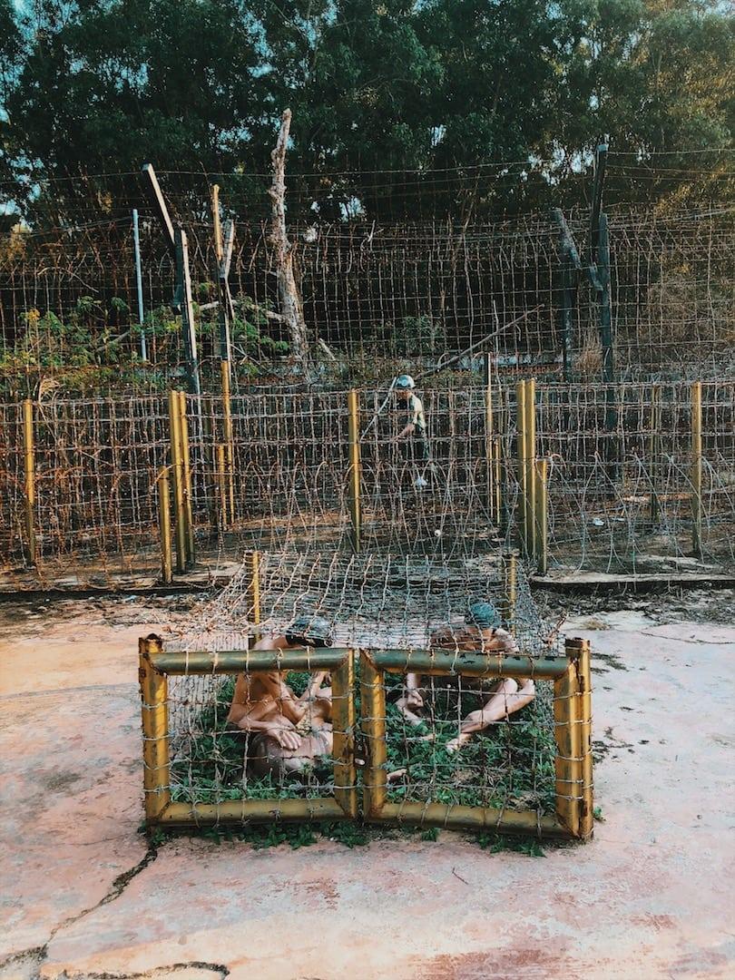 więzienie, klatki ciekawe miejsce z historią, więzieni ludzie, wojna wyspa phu quoc wietnam neverendingtravel.pl
