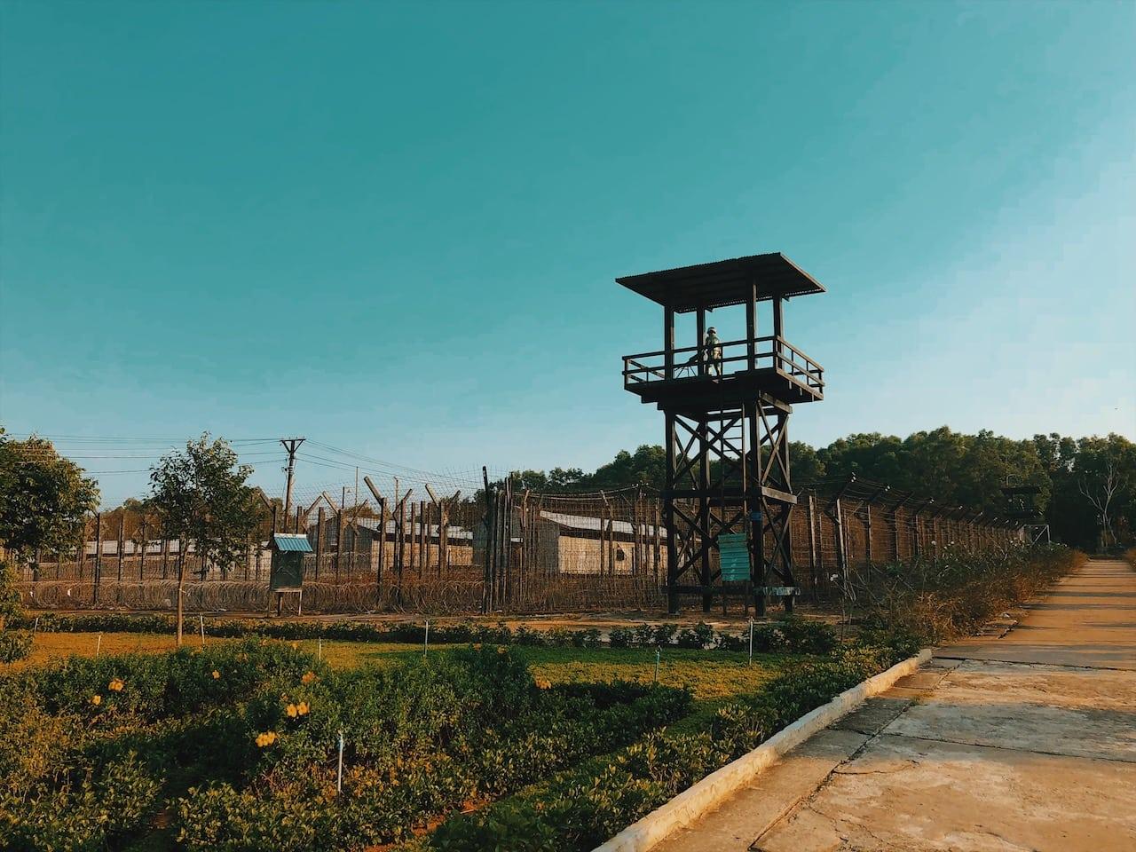 więzienie wyspa phu quoc wietnam neverendingtravel.pl