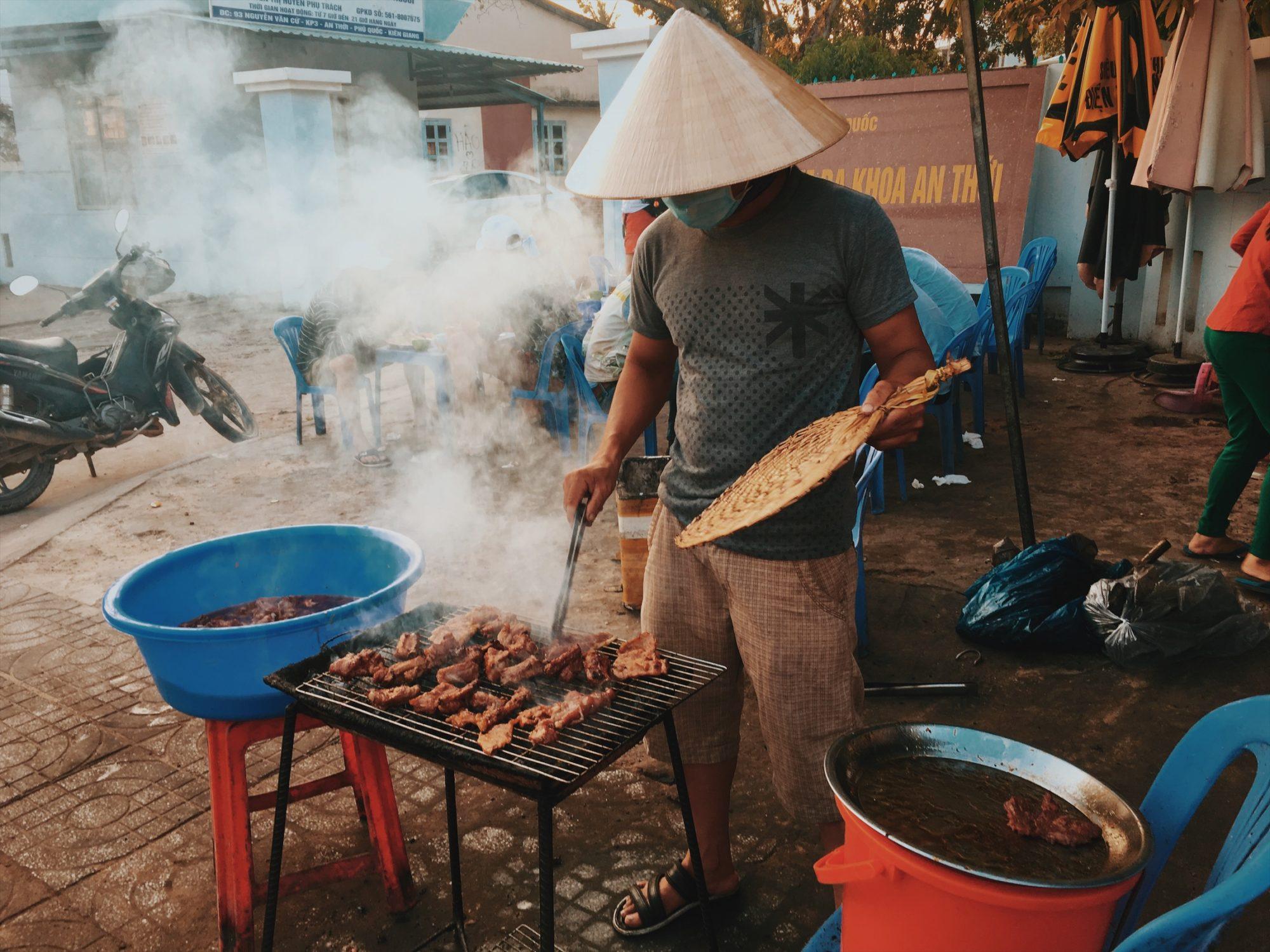 jedzenie, bar w an thoi plaze w wietnamie neverendingtravel.pl