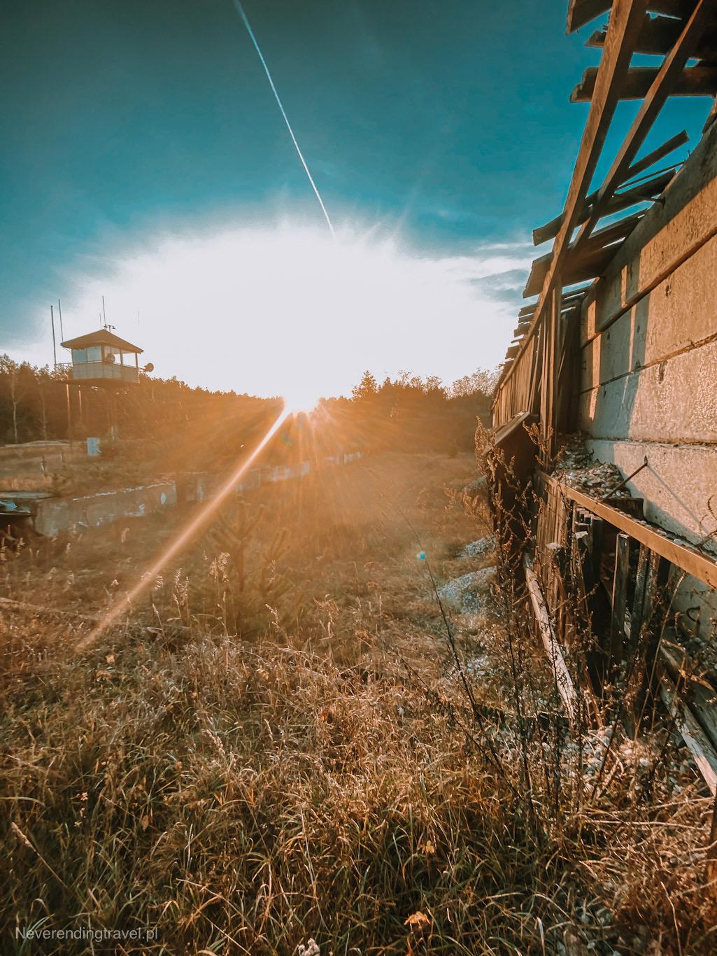 poligon cybulice,strzelnica, kampinos, grochalskie piachy, ciekawe miejsca w kampinosie, kampinoski park narodowy, ciekawe miejsca warszawa, pustynia koło warszawy, polska ciekawe miejsca, drewniana strzelnica, ruina