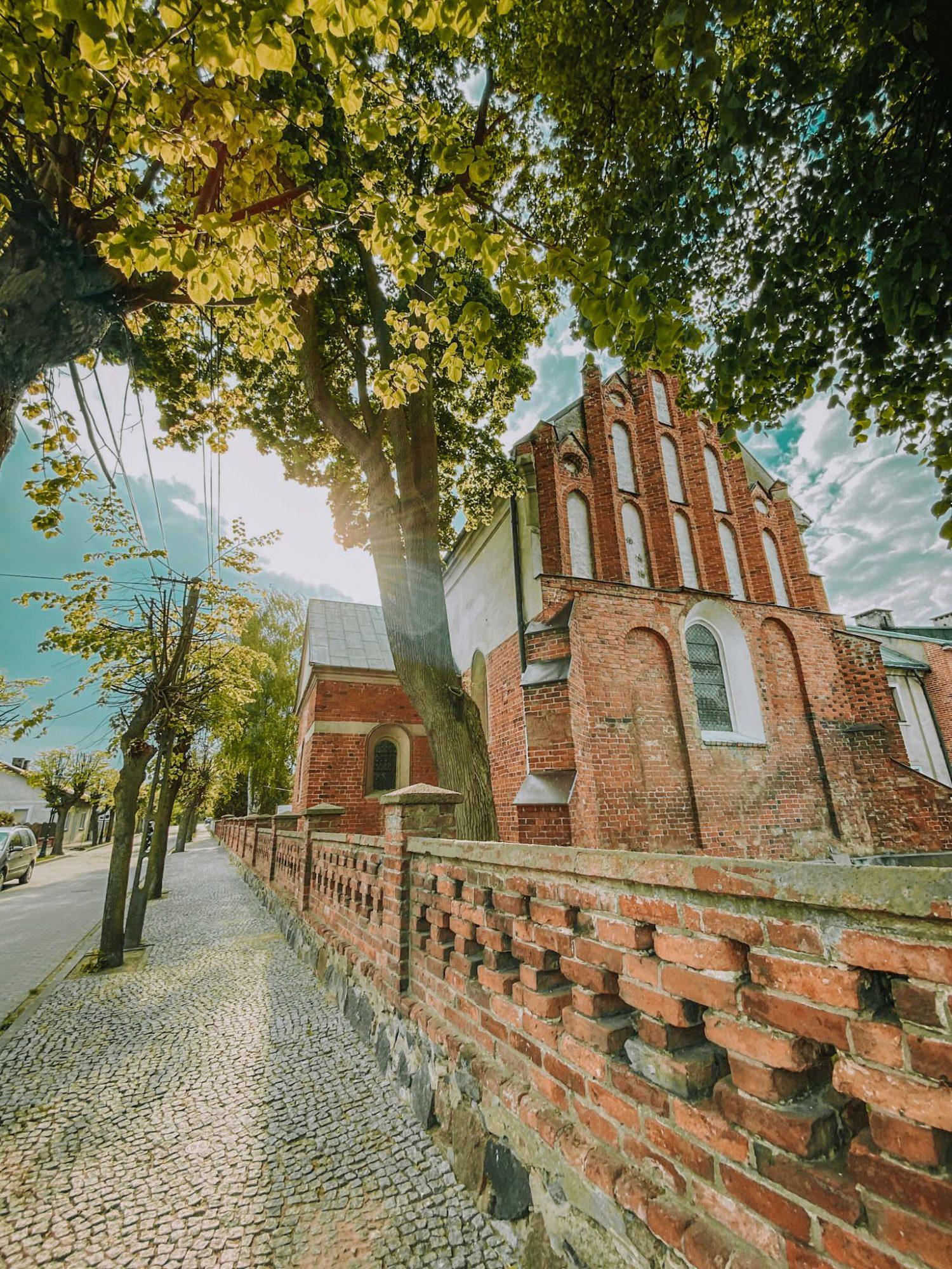 wyszogród klasztor niedaleko warszawy