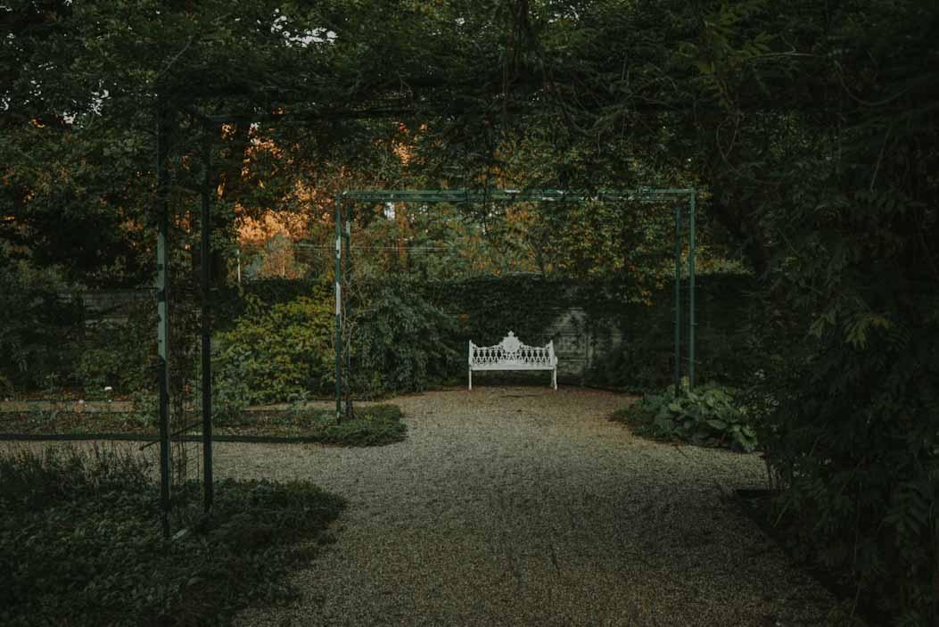 ogród rzeźb juana soriano, staw, artysta, park, zieleń, owczarnia, Kazimierówka , blisko warszawy na weekend, ciekawe miejsce, mazowieckie