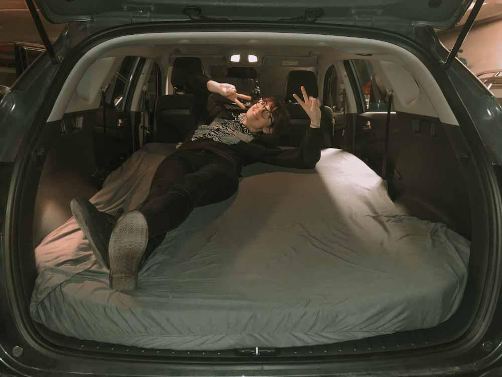 materac do spania w samochodzie, w aucie, vanlife, spanie w hyundai, spanie w SUV, nocleg w aucie
