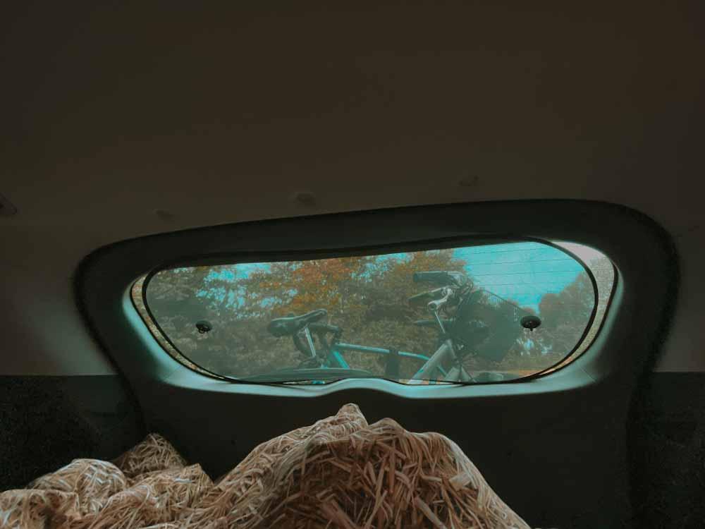 gadżety samochodowe, Siatki na okno, auto, samochód, mositiera, gadżet do samochodu, do auta, biwak , spanie w samochodzie, siatka na drzwi