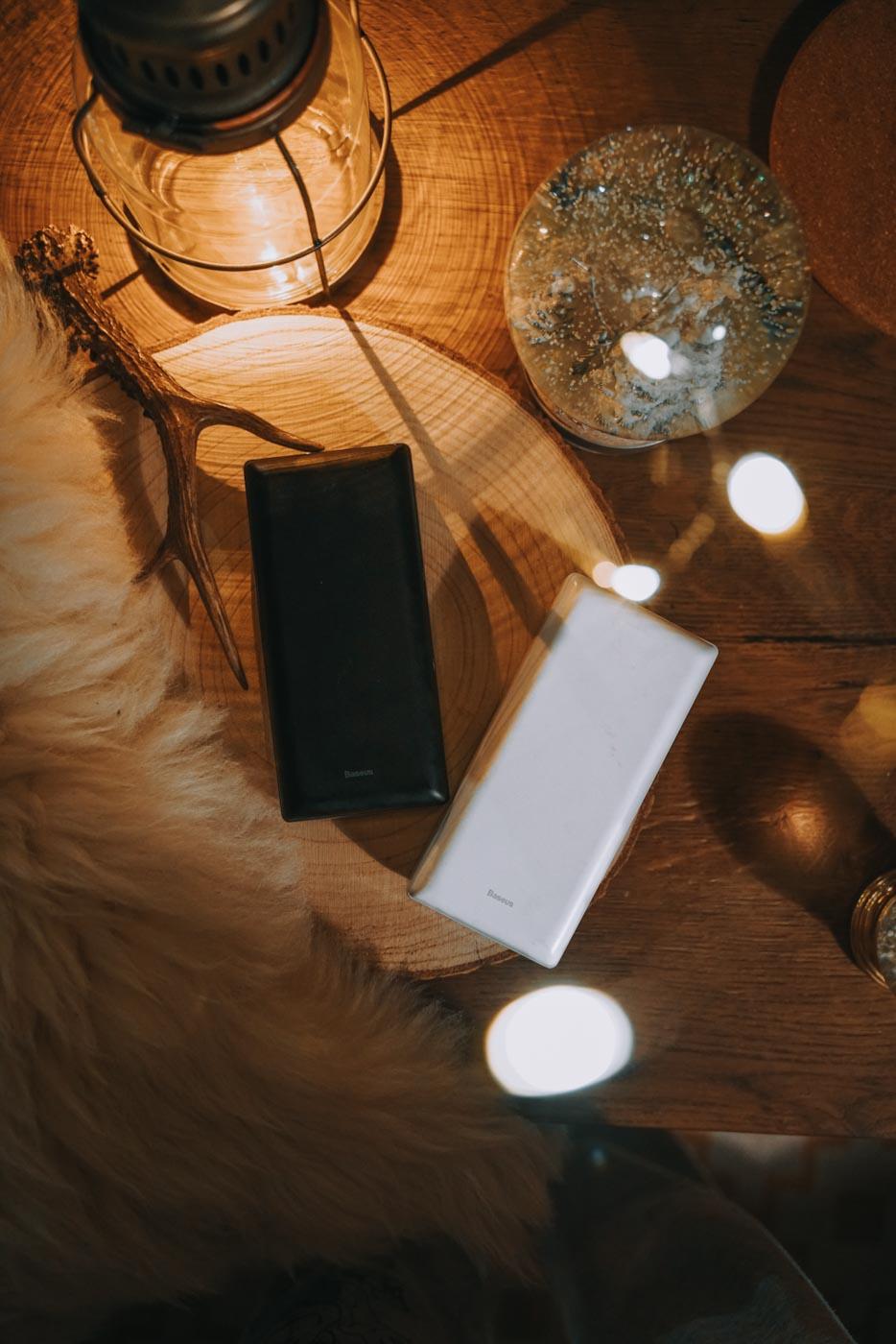 powerbank, prezentownik travelersa, podróżnika, pomysł na prezent, survival, biwak, carsleeping, valife, carlife, spanie w aucie,